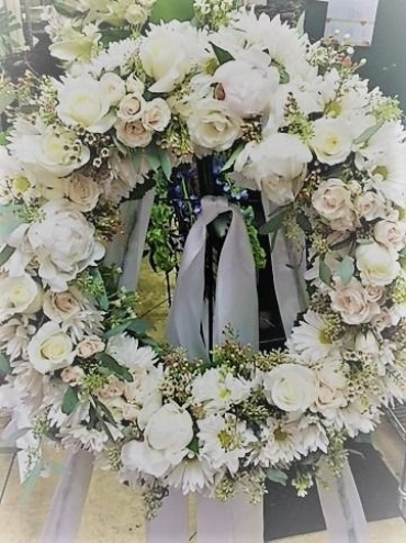 Wreath of All White Flowers